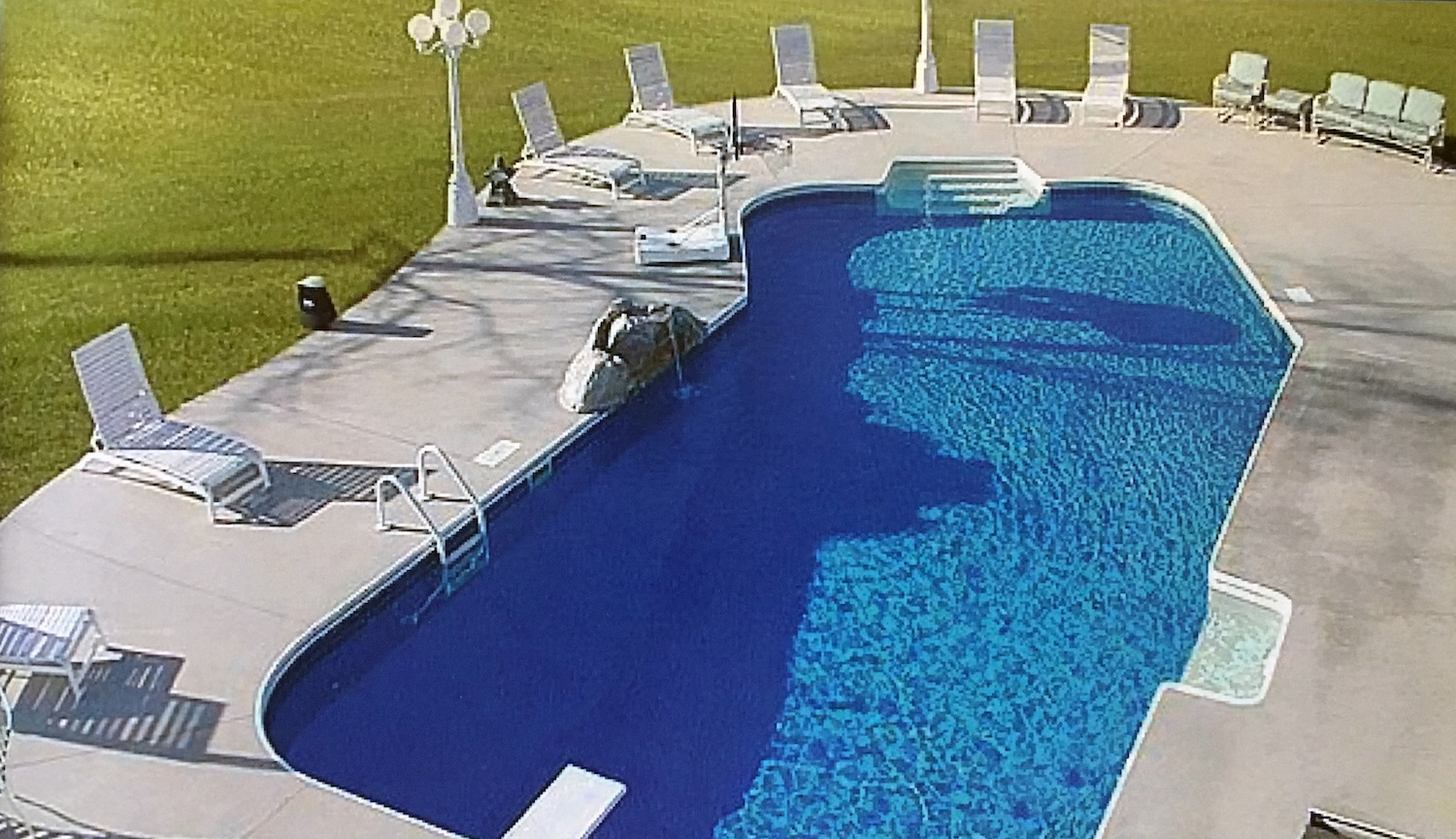 lazy-l-pool-design